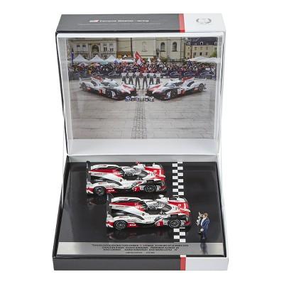 Coffret contenant les deux modèles réduits TOYOTA HYBRID TS050 n ° 8 et n ° 7 gagnantes aux 24h du Mans 2018 - édition limitée